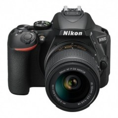 Nikon D5600 DX-Format Digital SLR w/AF-P DX NIKKOR 18-55mm f/3.5-5.6G VR